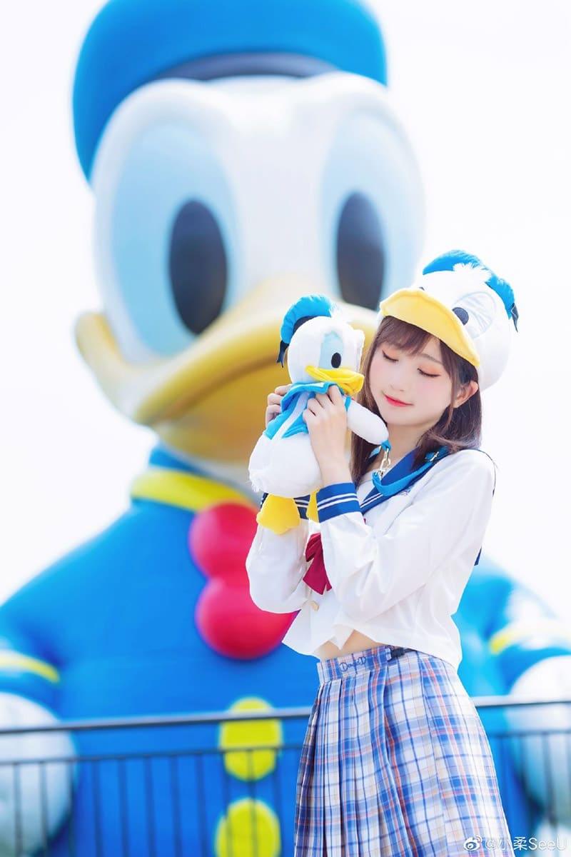 """Bộ ảnh gái xinh """"Donald Duck"""" - Tiểu Nhu"""