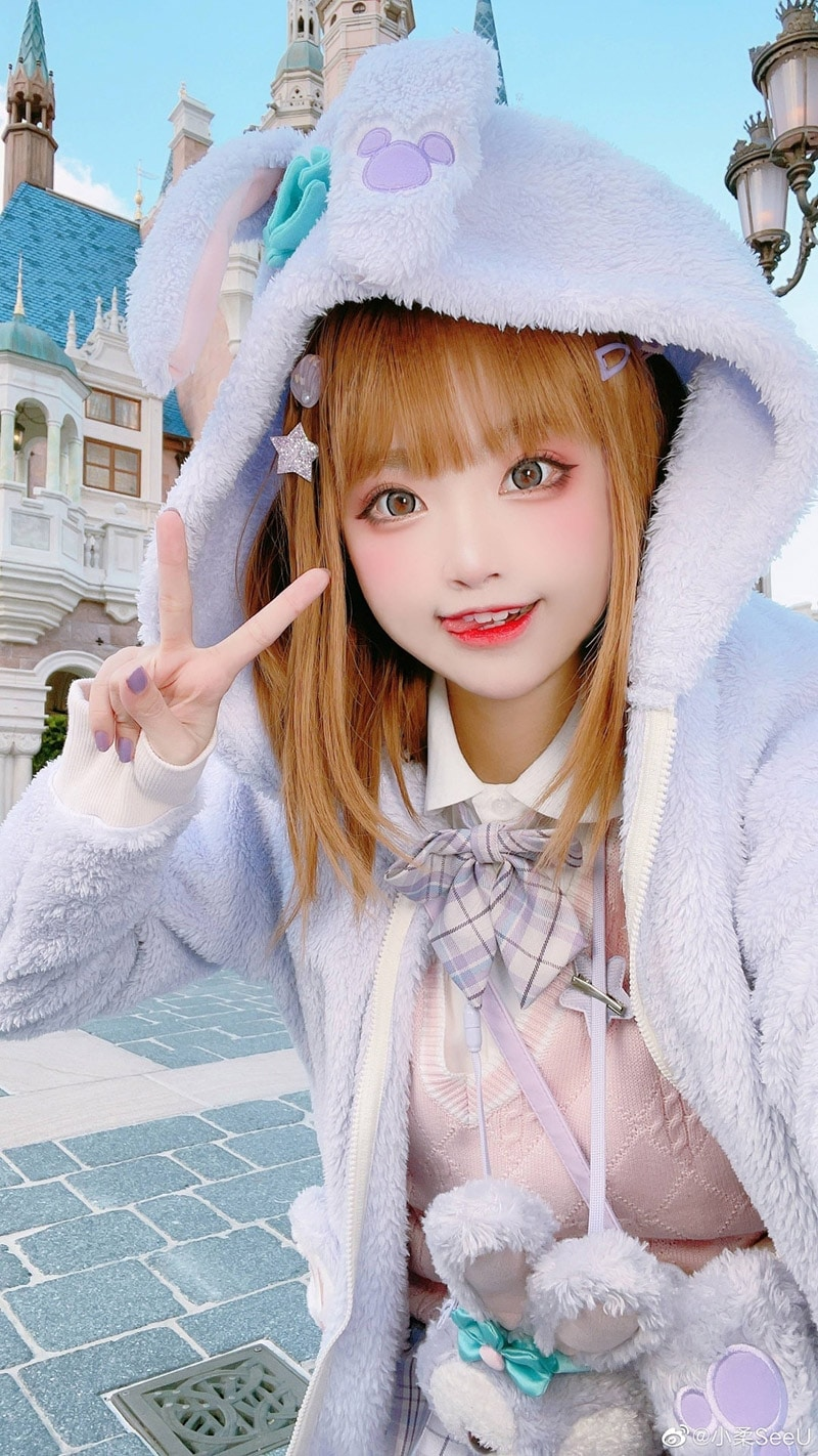 Coser Tiểu Nhu trong trang phục thỏ xinh xắn Disneyland
