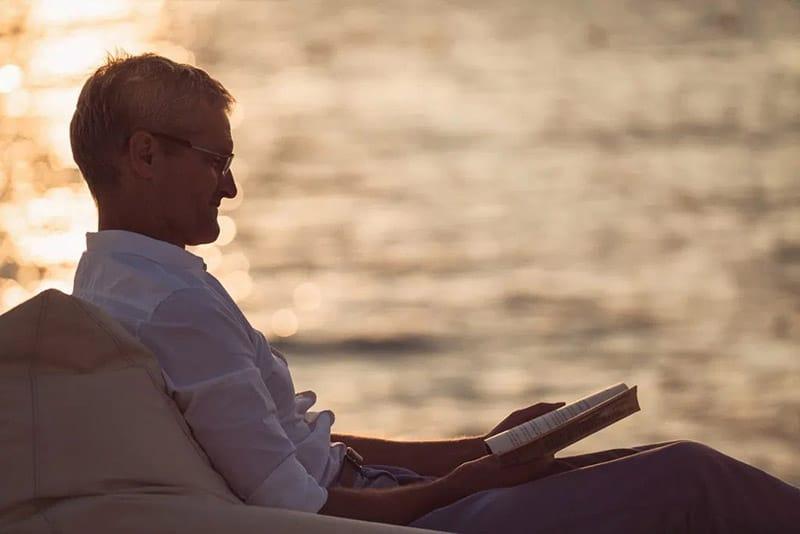 Tỷ lệ người lớn biết chữ trên toàn cầu là khoảng 86%