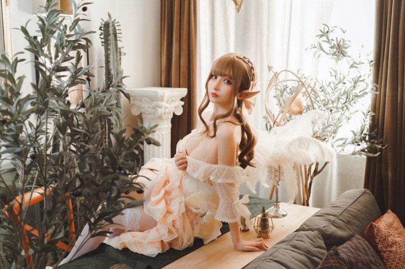 """Bộ ảnh cosplay """"Elf Dress"""" cực đẹp do coser Rioko thể hiện"""