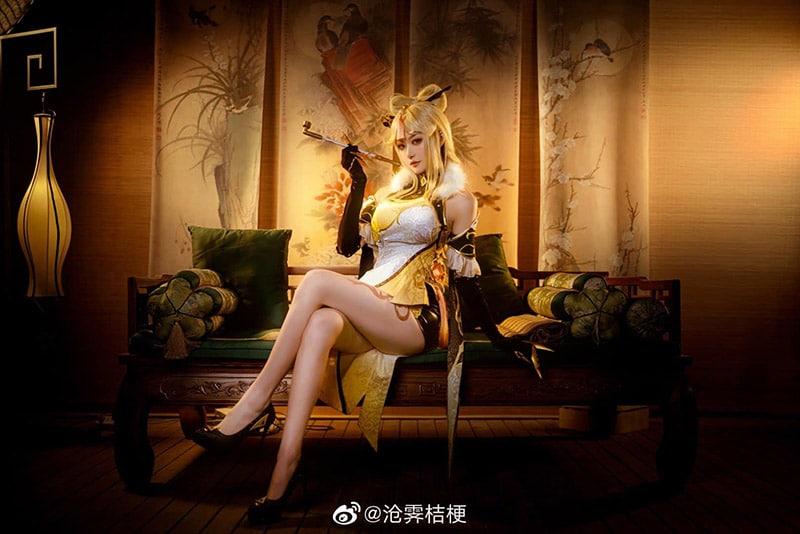 Bộ ảnh cosplay Ningguang trong Genshin Impact
