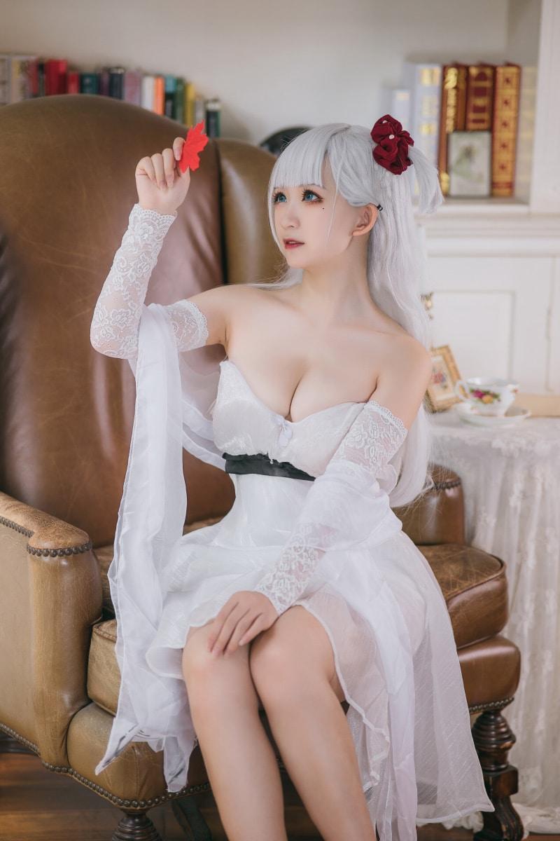 Bộ ảnh cosplay Shoukaku The Crane that Dances With the Wind (Azur Lane)