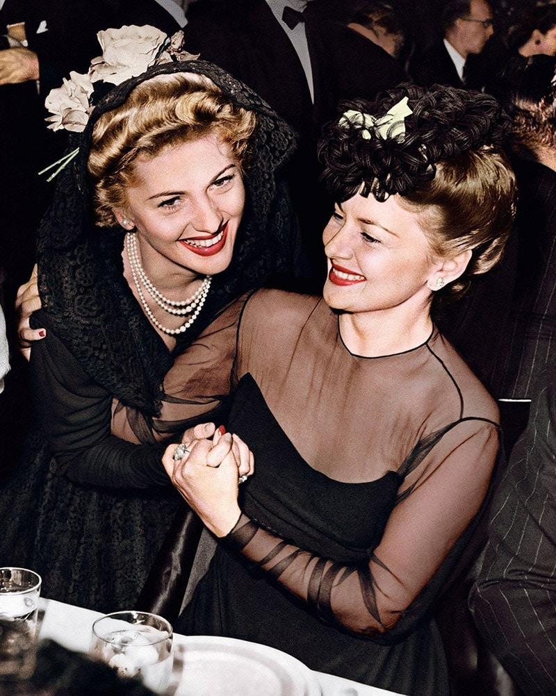 Olivia de Havilland và Joan Fontaine