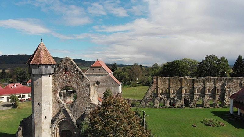 Carta là tu viện được cho là bị ma ám, đã bị bỏ hoang từ thế kỷ 15.